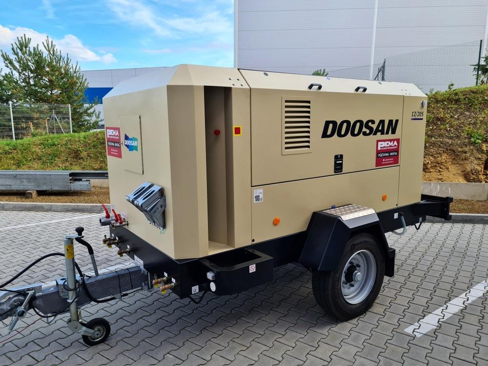pojízdný kompresor Doosan 12/205
